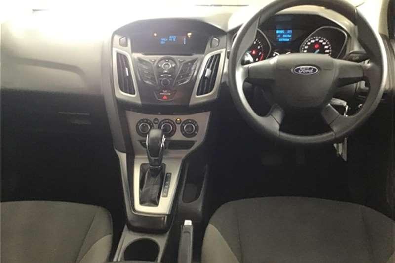 Ford Focus sedan 1.6 Ambiente auto 2013