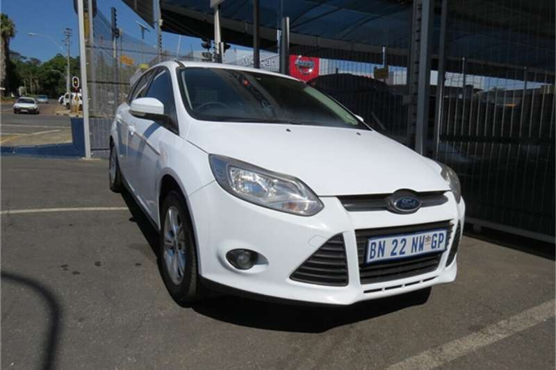 Ford Focus sedan 1.6 Trend 2011