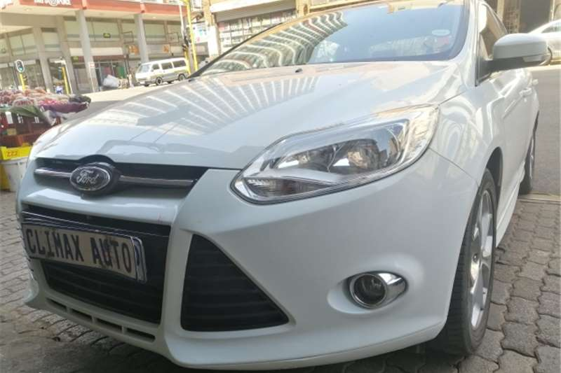 Ford Focus sedan 1.6 Trend 2013