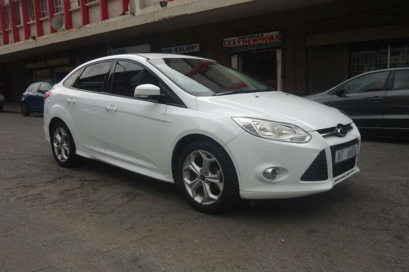 Ford Focus sedan 1.6 Trend 2014