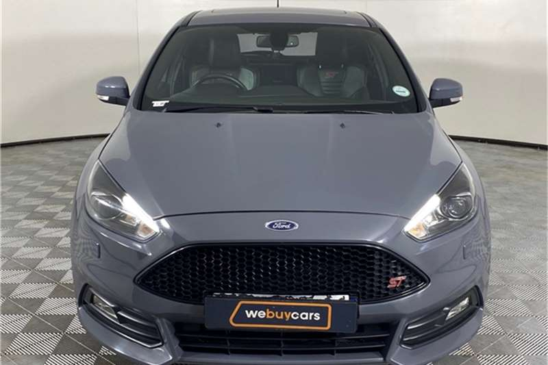 2017 Ford Focus Focus ST 3