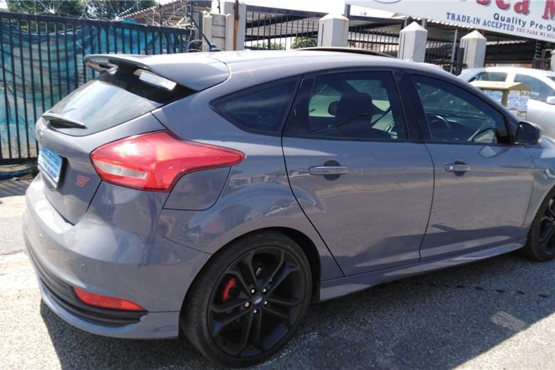 Used 2017 Ford Focus ST 3