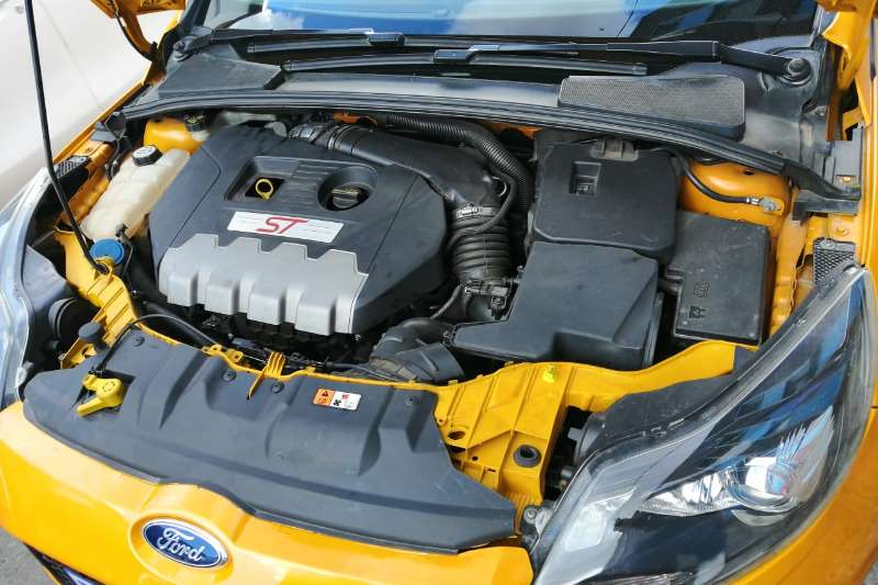 Ford Focus ST 3 door (leather + sunroof + techno pack) 2014