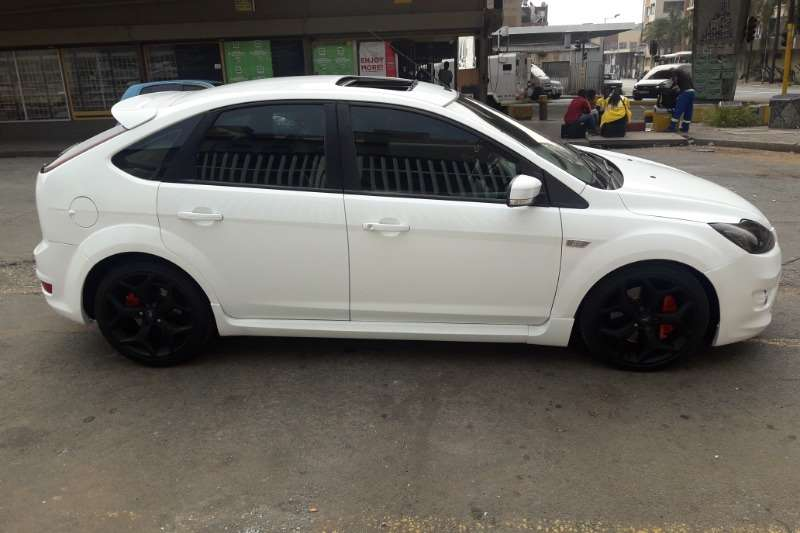 Ford Focus ST 3 door (leather + sunroof + techno pack)