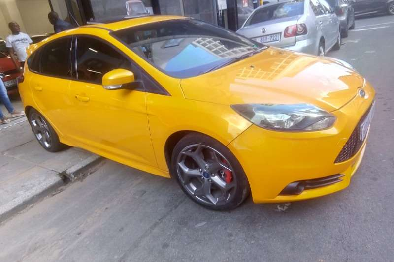 Ford Focus ST 5 door (sunroof + techno pack) 2014
