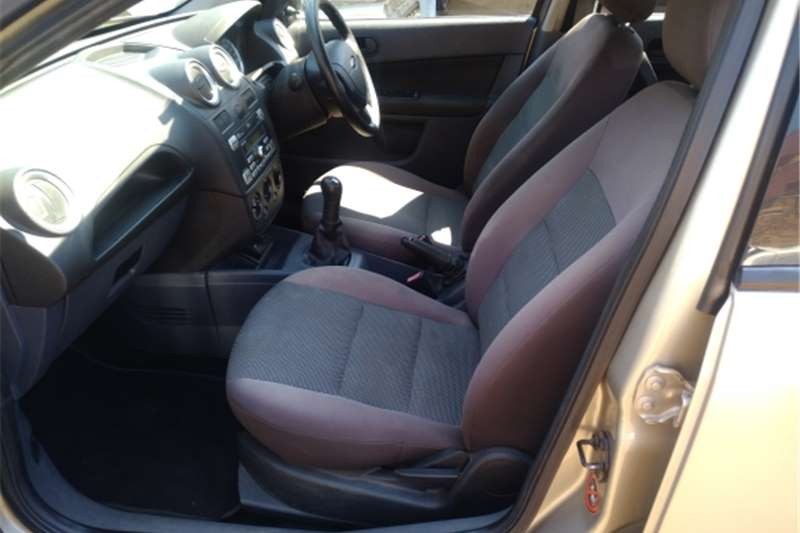 2010 Ford Ikon Ikon 1.6 Ambiente