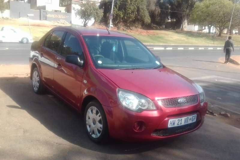 Ford Ikon 1.6 Trend 2014