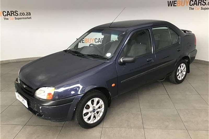 Ford Ikon 2001