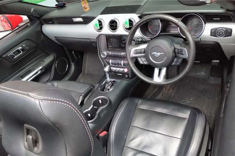 Ford Mustang 2.3T convertible auto 2017