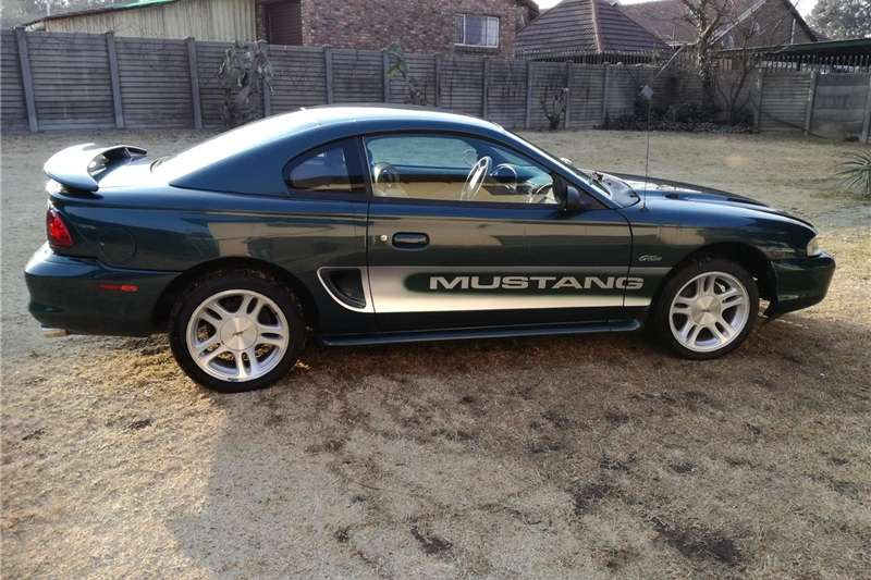 Ford Mustang 5.0 GT fastback 1994
