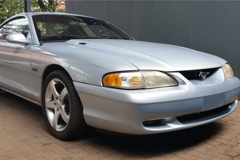 Ford Mustang Gt 4.6 auto 1996