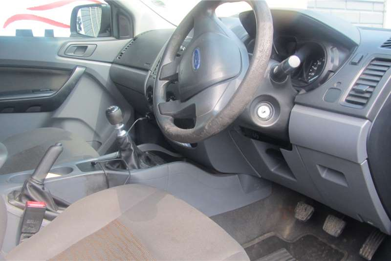 Ford Ranger 2.2 double cab Hi Rider XLS 2013