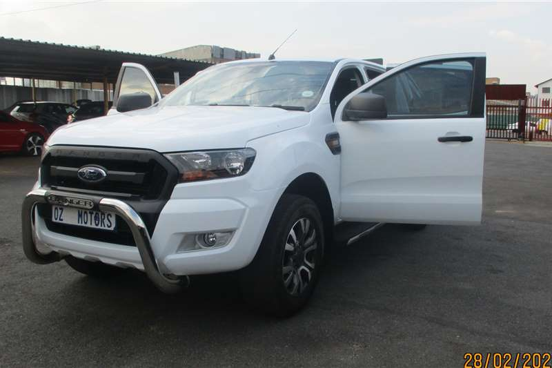 Ford Ranger 2.2 double cab Hi Rider XLS 2017