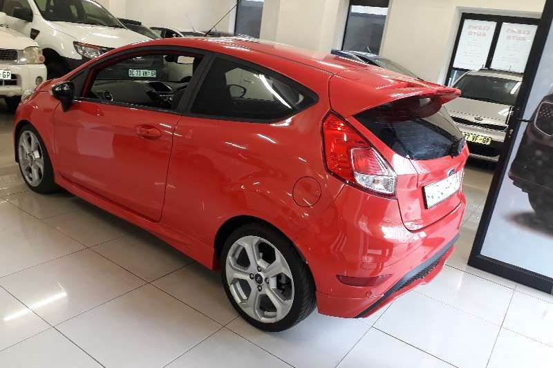 Ford ST Fiesta 2.0 Turbo Charge 2015