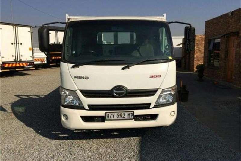 Hino 300 814 LWB AZ3 F/C C/C 2012