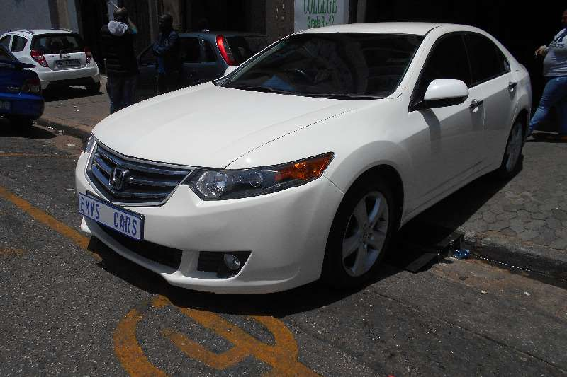 Honda Accord 2.0 2011