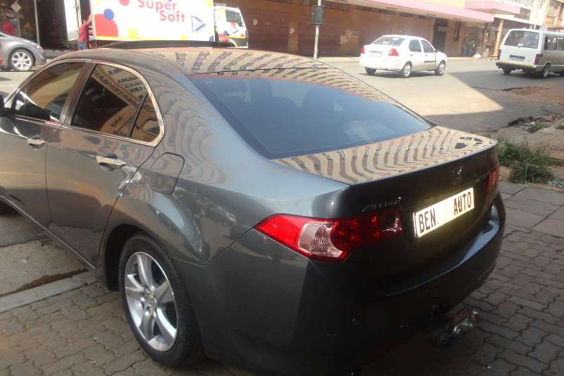 Honda Accord 2.0 automatic 2010