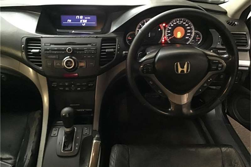 Honda Accord 2.0 automatic 2010