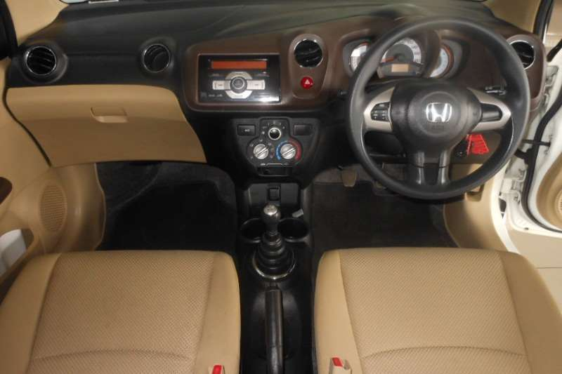 Honda Brio 1.2 Comfort 2013