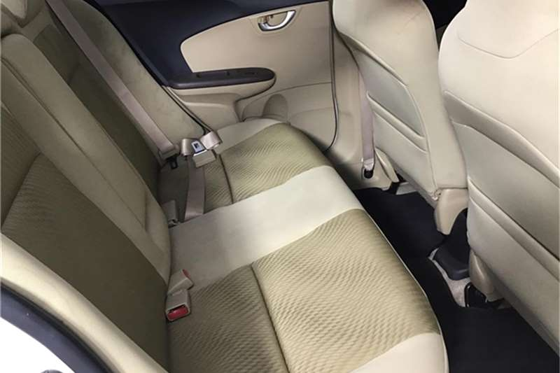 Honda Brio Amaze 1.2 Trend 2013