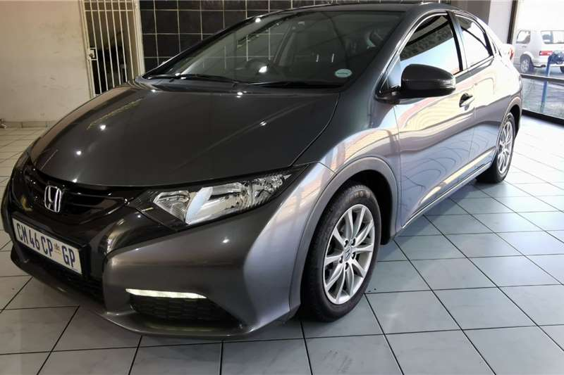 Honda Civic hatch 1.8 Elegance 2013