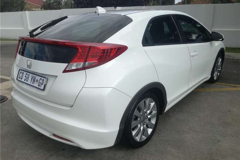 Honda Civic hatch 1.8 Executive 2012