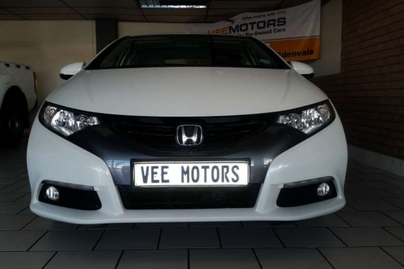 Honda Civic hatch 1.8 Executive 2014