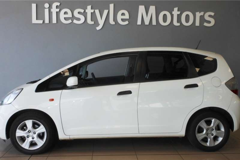 Honda Jazz 1.4 LX automatic 2010