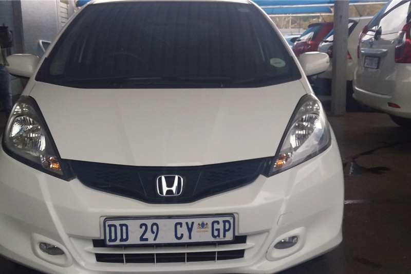 Honda Jazz 1.5 Dynamic auto 2014