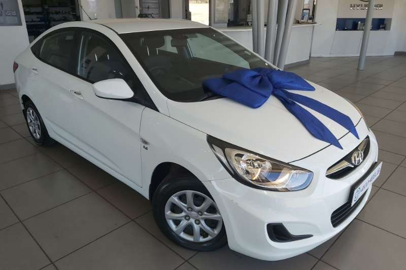 Hyundai Accent 1.6 GL 120000km only 2011