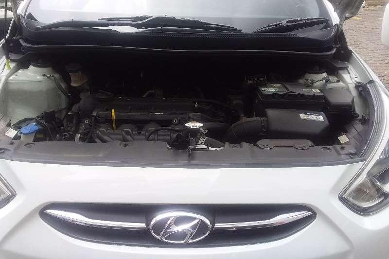 Hyundai Accent 1.6 GL 2015