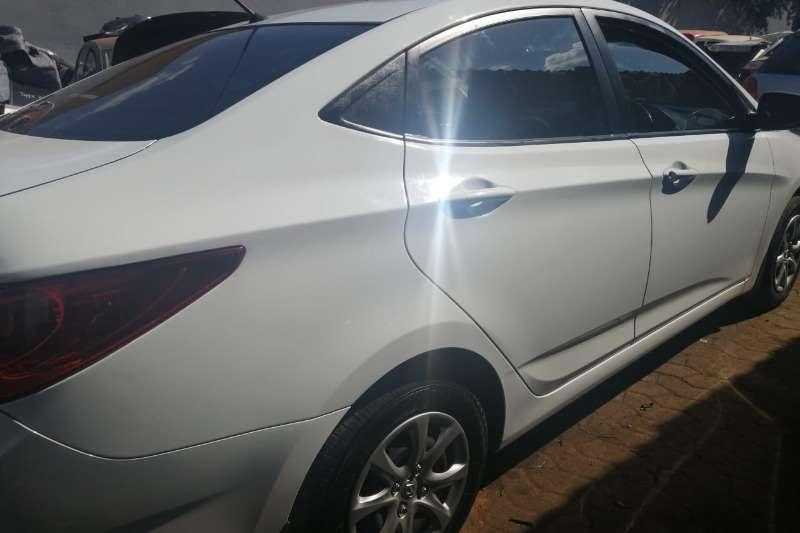 Hyundai Accent 1.6 GLS auto 2015