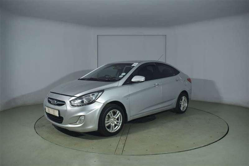 Hyundai Accent 1.6GL/MOTION 2012