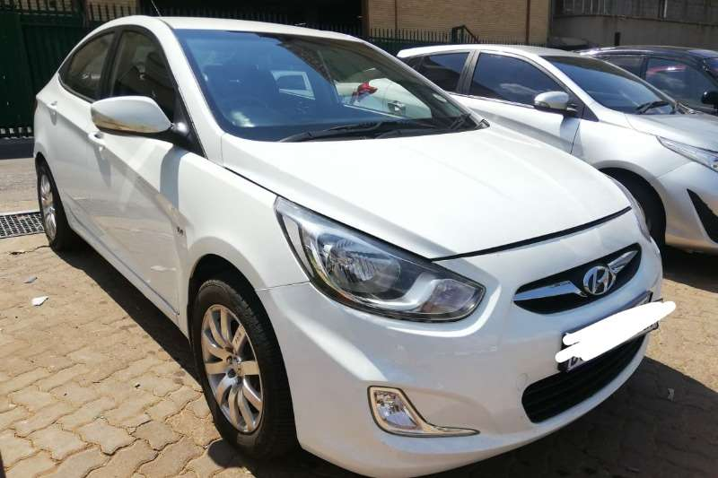 2012 Hyundai Accent sedan 1.6 Fluid