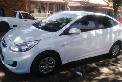 Hyundai Accent sedan 1.6 Fluid 2015