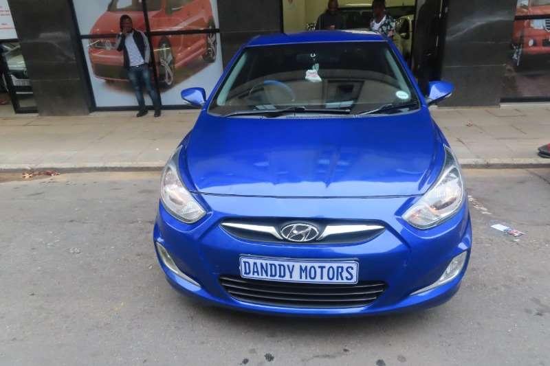 Hyundai Accent sedan 1.6 Fluid auto 2011