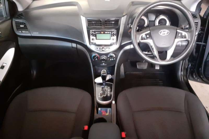 Hyundai Accent sedan 1.6 Fluid auto 2014