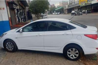 Used 2016 Hyundai Accent sedan 1.6 Glide