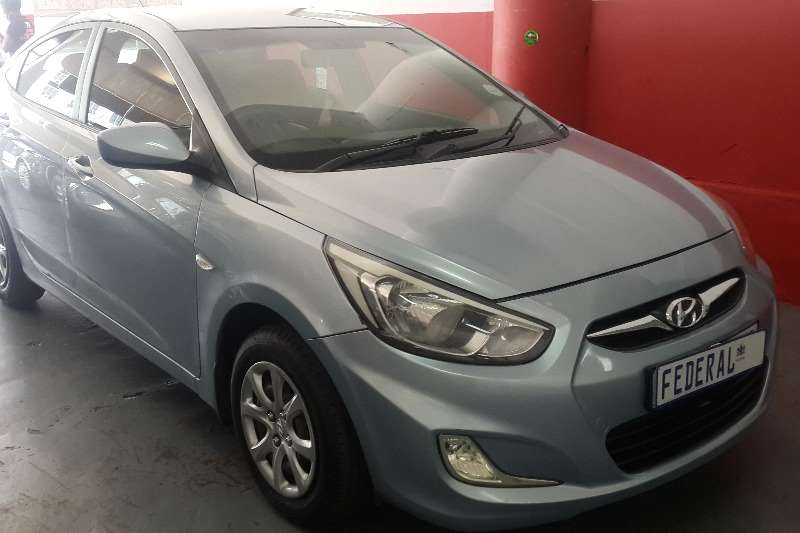 Hyundai Accent sedan 1.6 Motion 2011