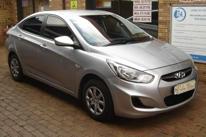 Hyundai Accent sedan 1.6 Motion 2012