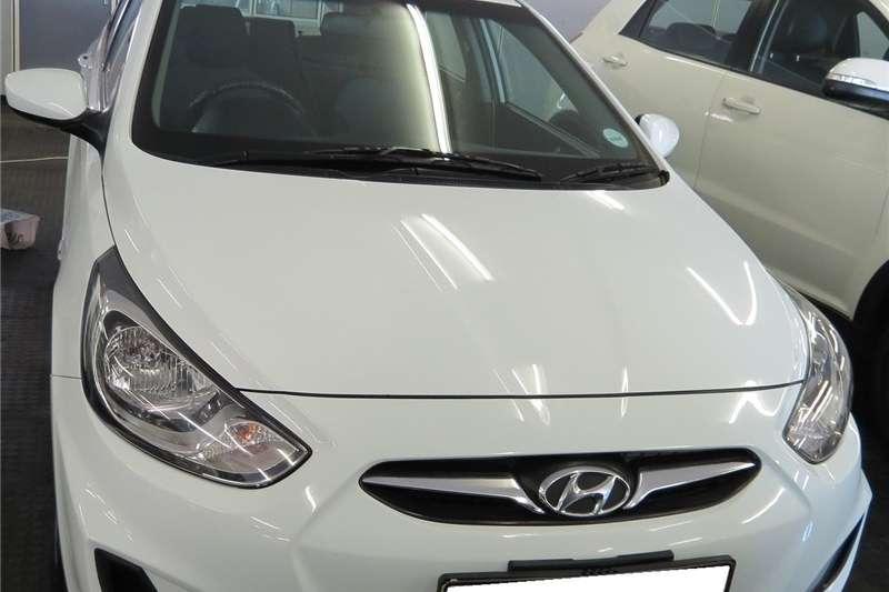 Hyundai Accent sedan 1.6 Motion 2014