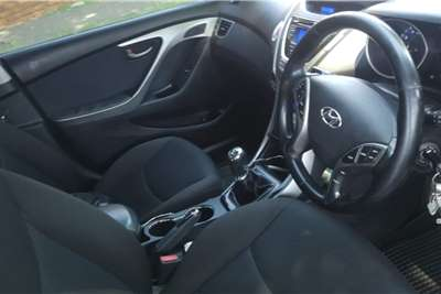 Hyundai Elantra 1.6 Executive 2015