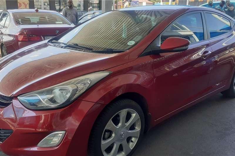 Hyundai Elantra 1.8 Executive 2013