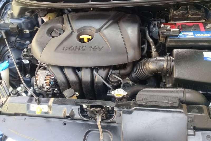 Hyundai Elantra 1.8 Executive auto 2012