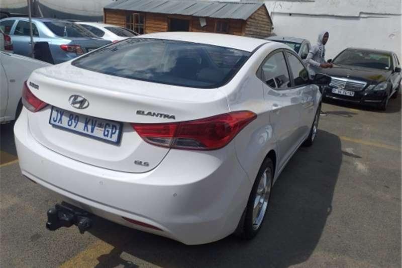 Hyundai Elantra 1.8 Executive auto 2013