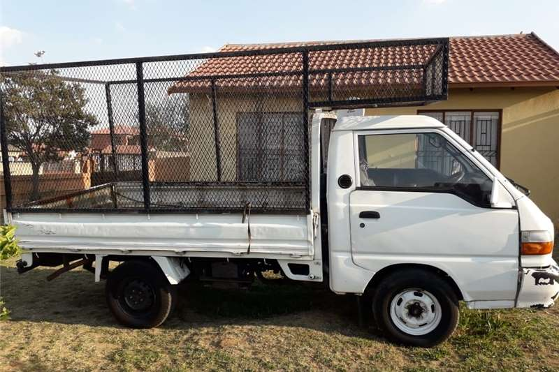 Hyundai H-100 Bakkie 2.5TCi chassis cab 1999