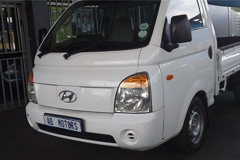 Hyundai H-100 Bakkie 2.5TCi chassis cab 2011