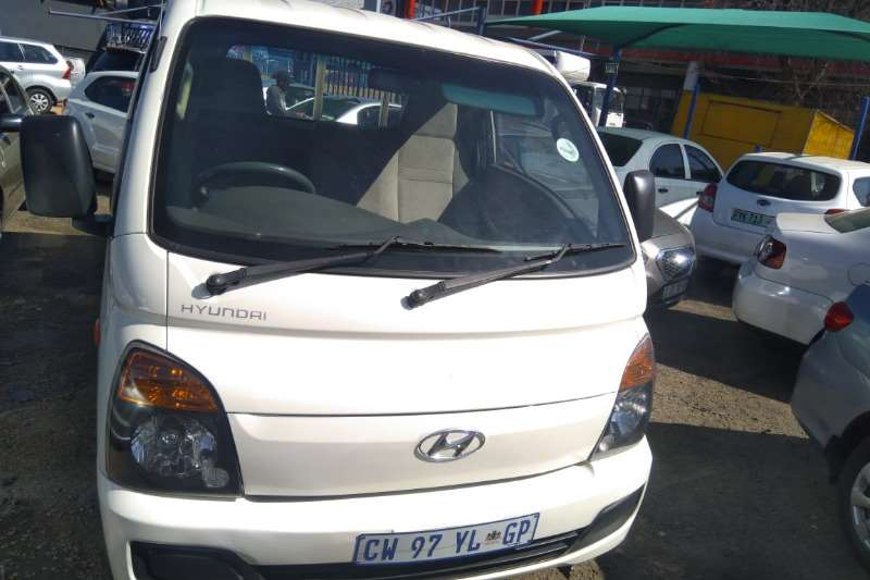 Hyundai H-100 Bakkie 2.5TCi chassis cab 2014