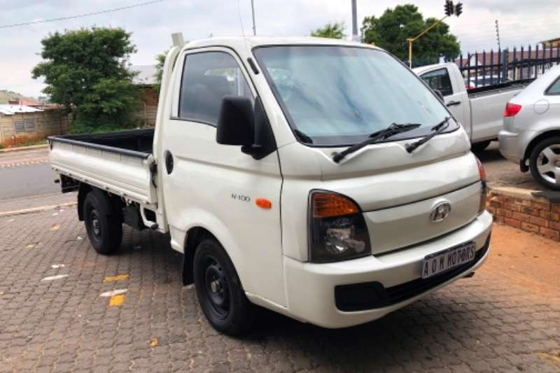 Hyundai H-100 Bakkie 2.6D chassis cab 2017