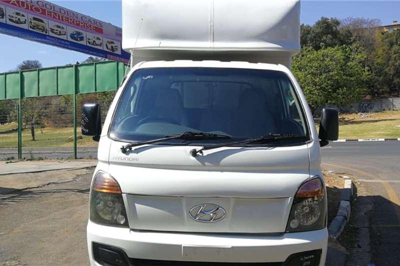 Used 2011 Hyundai H-100 Bakkie 2.6D deck
